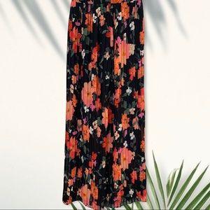 Olivaceous floral print pants